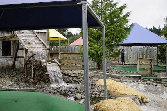 A-Maze'N'Golf