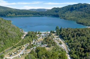 Blue Lake TOP 10 (Rotorua)